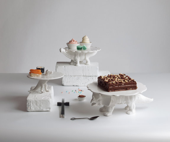 Sauria_porcelain-cake-stands_all.jpg