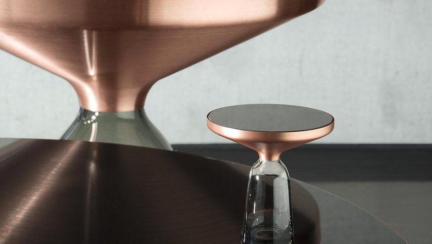 classicon-bell-side-table-miniature-03_zoom.jpg